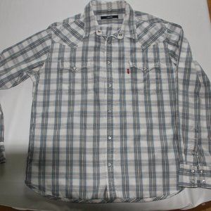 Levi's lightweight shirt with pearl snaps buttons